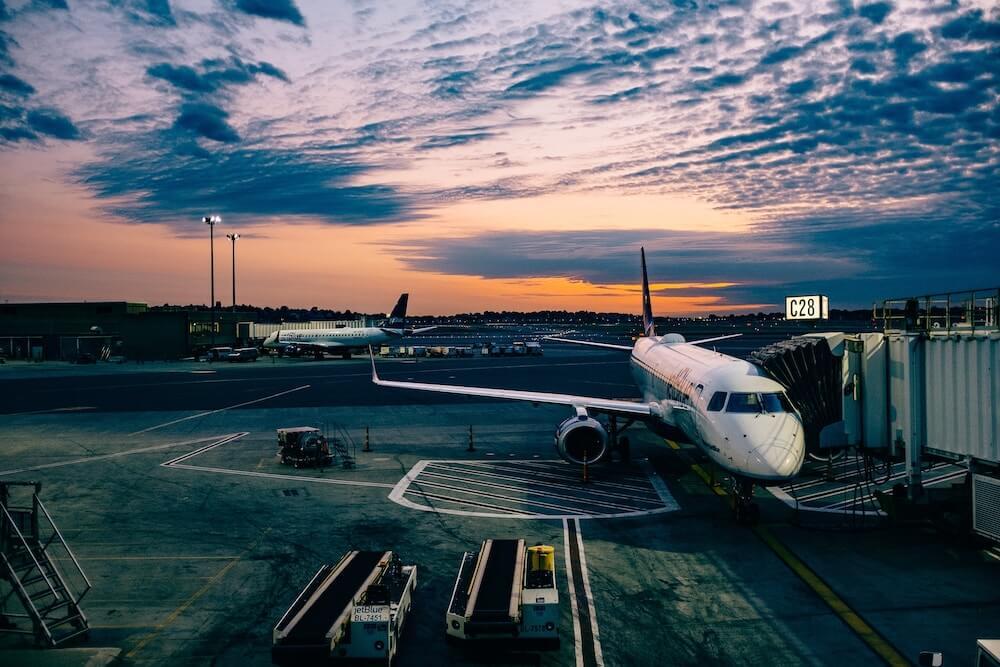 Plane arrival to terminal