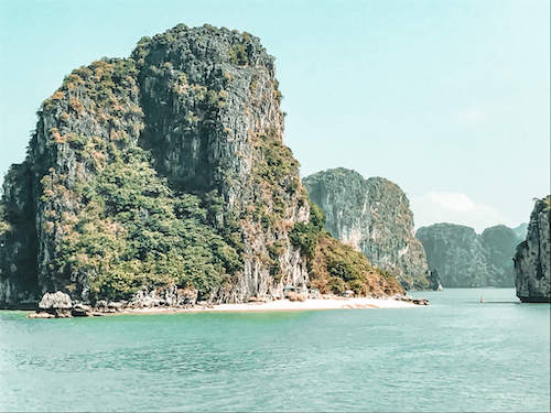 Hidden Beach Bai Tu Long Bay