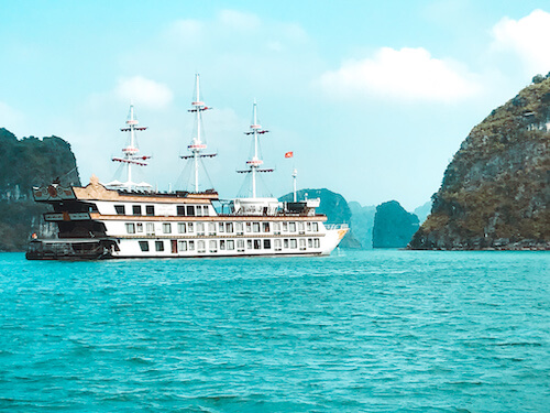 Dragon Legend Cruise ship in Bai Tu Long Bay