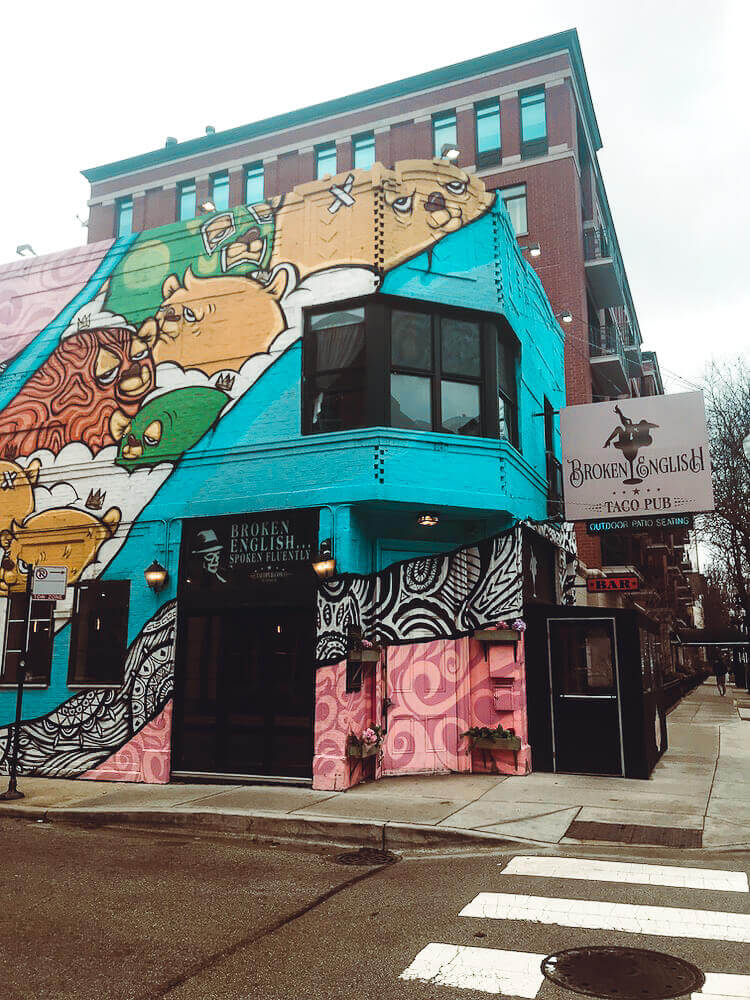 Adorably painted building in Old Town, Chicago