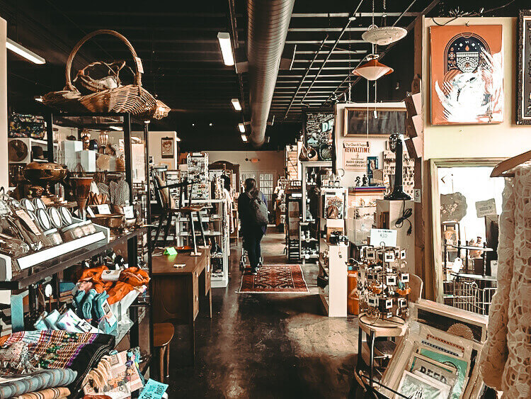 Antique shops in Little Rock
