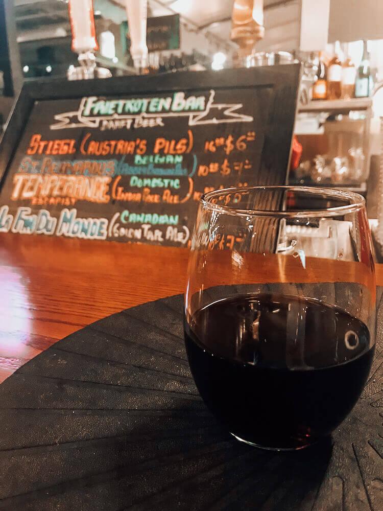 Having wine at Frietroten Bar