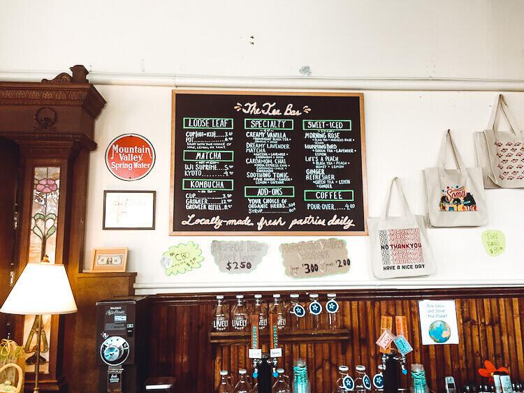 The tea bar sign