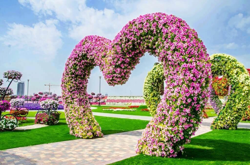 Dubai Miracle Garden   Places to Visit in Dubai for a Honeymoon