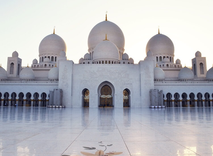 Sheikh Zayed Grand Mosque Dubai   Places to Visit in Dubai for a Honeymoon