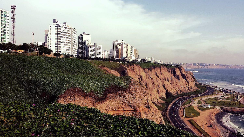 Miraflores neighborhood overlooking the ocean in Lima