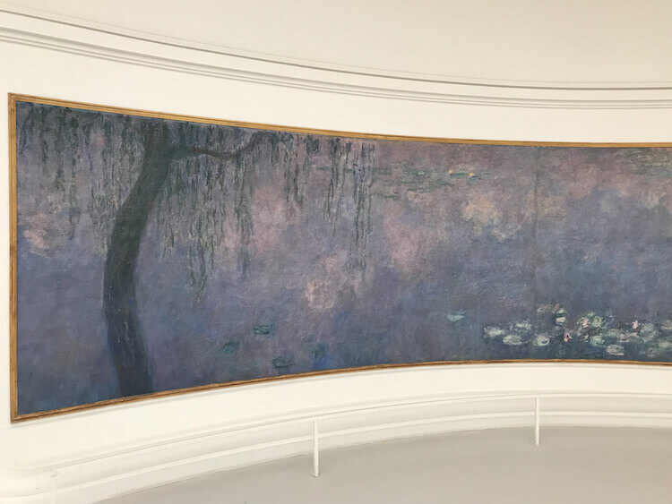 Monet's waterlillies at Museum L'Orangerie