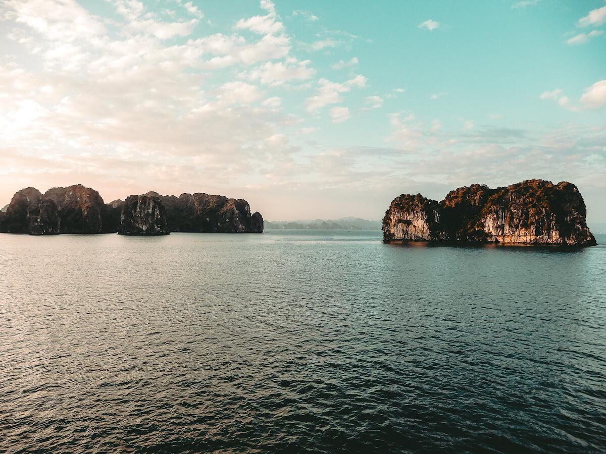 Travel to Halong Bay