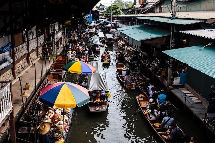 Canals of Bangkok with market