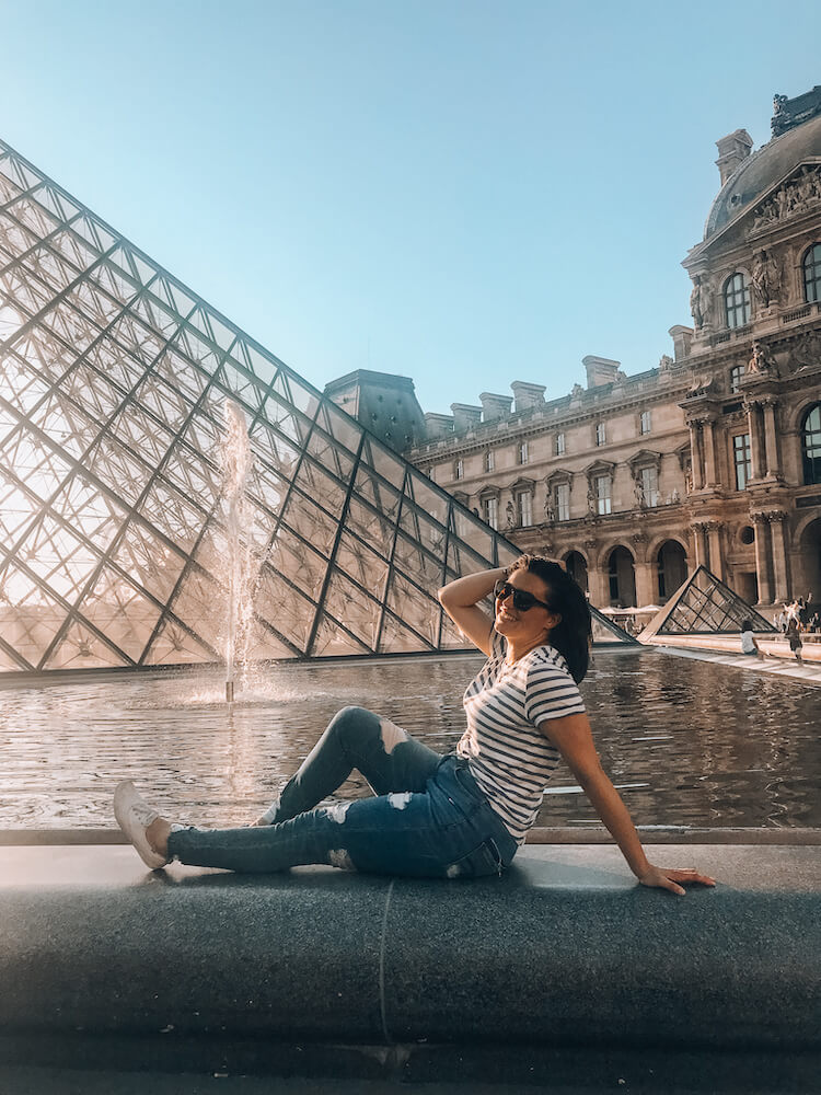 Kat in front of the Louvre