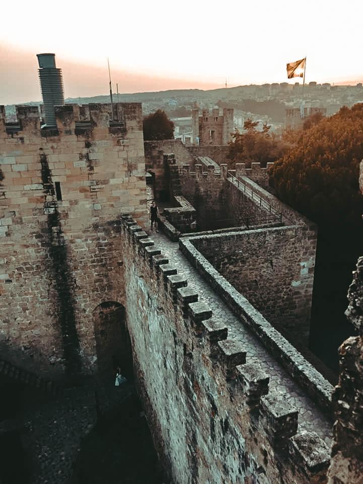 Sao Jorge Castle at sunset