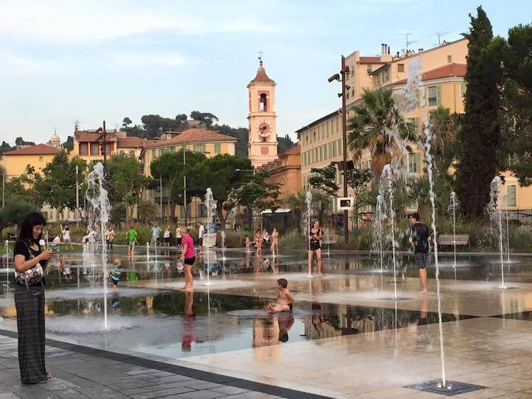 Streets and fountains in Nice