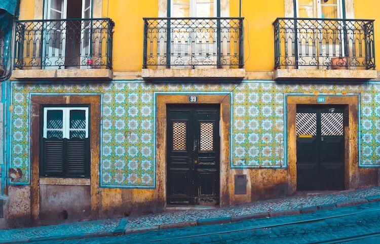 Tiles in Lisbon- Lisbon in 2 Days