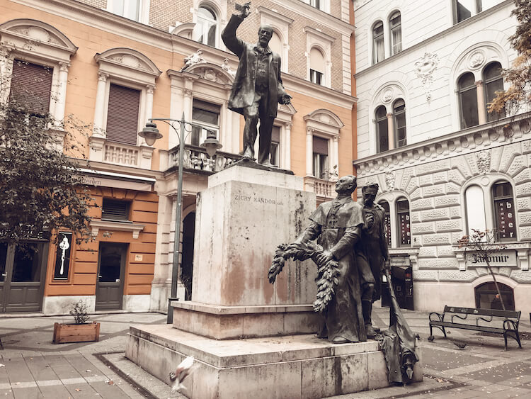 Hidden squares in the Jewish Quarter of Budapest - Where to stay in Budapest