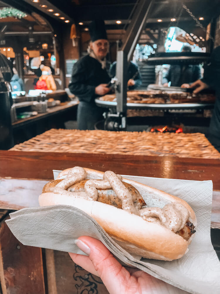 Vegan sausage with mustard at the Alter Christmas Market in Cologne