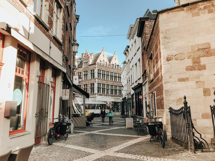 Gorgeous old city in Antwerp in 1 Day