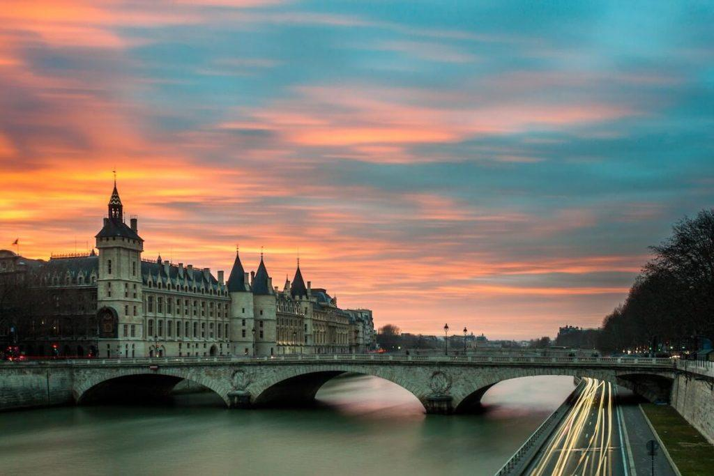 Paris in a Day | 1 Day in Paris | Paris Itinerary | Sunset over Paris and the Seine River
