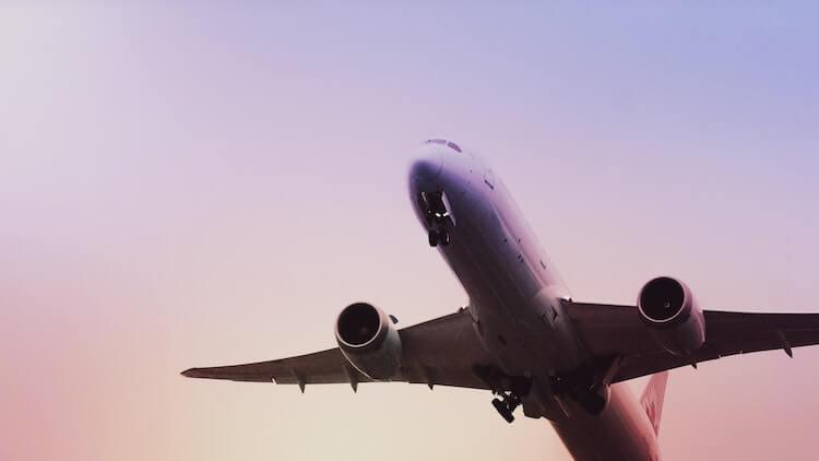 Airplane mid flight