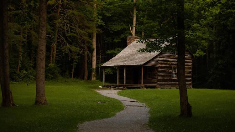 Cabin along Cades Cove