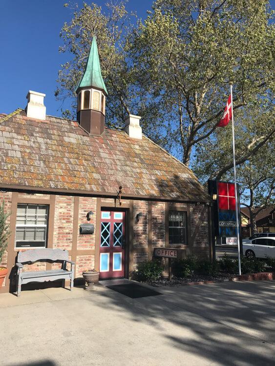 Office for Royal Copenhagen Inn