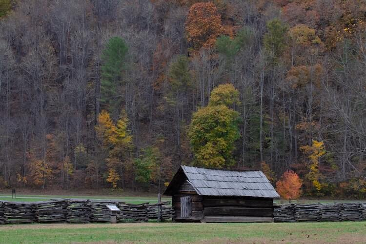 Cabins during the late fall - Best Time to visit the Great Smoky Mountains National Park