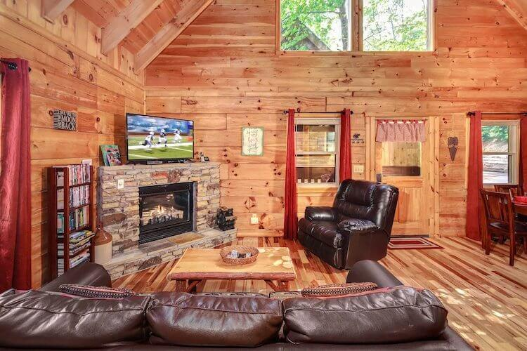 Lover's Loft Airbnb | Best Airbnbs Smoky Mountains