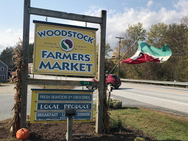 Woodstock Farmer's Market Sign