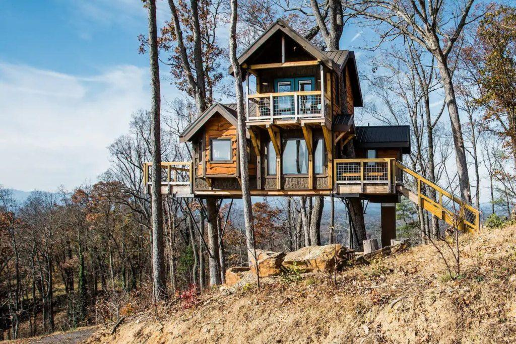 Asheville Airbnb Treehouse