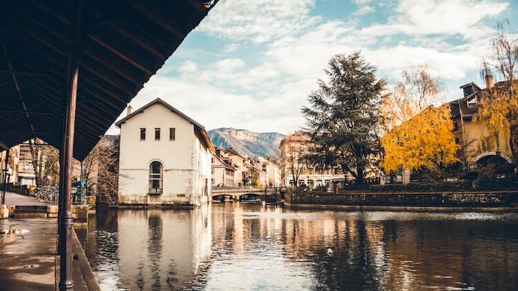 Gorgeous views of Annecy from the canal - Annecy Attractions