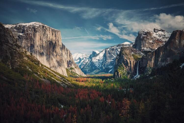 Grand view over Yosemite National Park