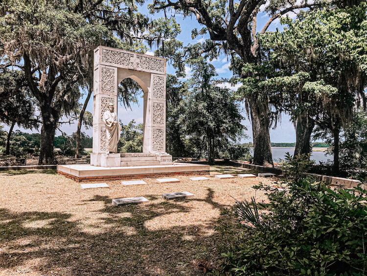 Bonaventure Cemetery and the river