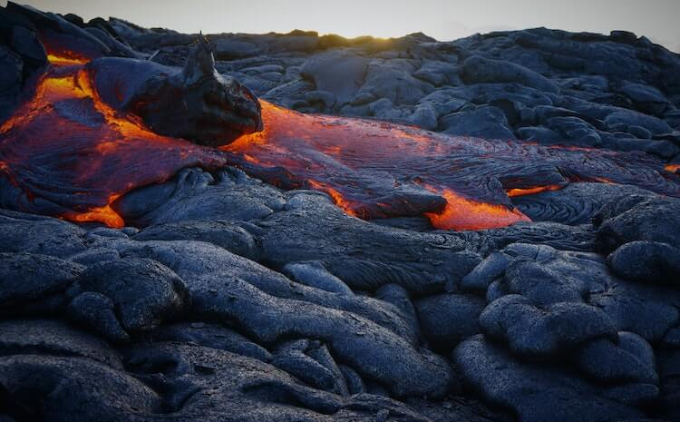 lava flowing in Hawai'i Volcanoes National Park