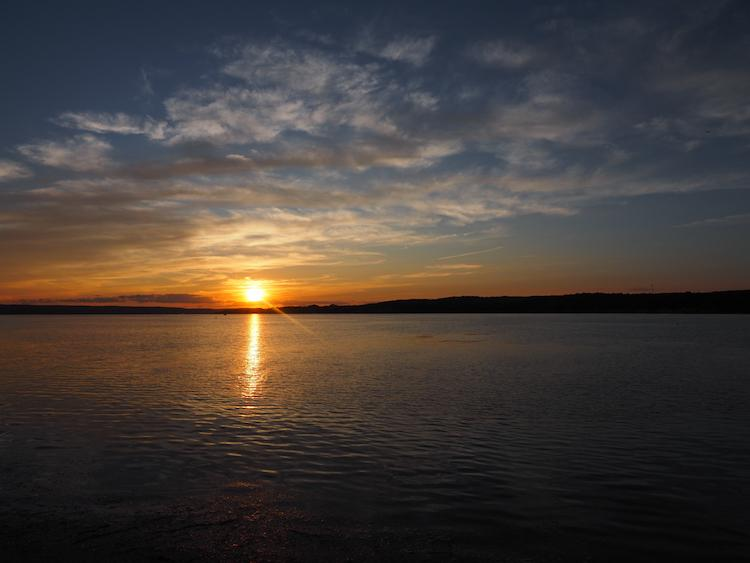 Blue, orange, and red sunset over Chautauqau Lake | things to do in Chautauqua Lake